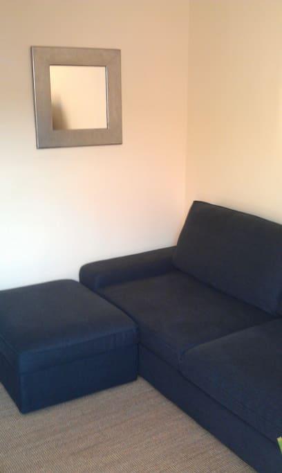 Le canapé lit du salon