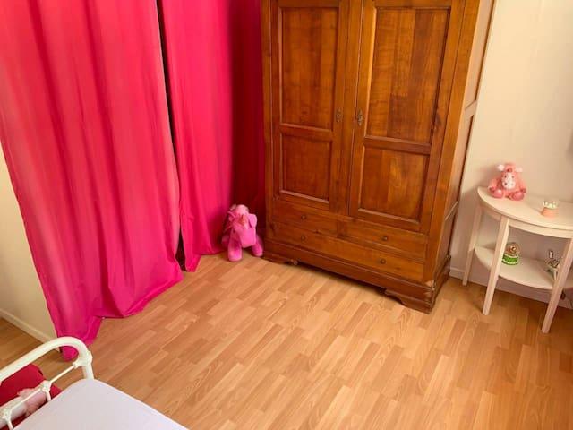 2 chambres pour 2 adultes et 2 enfants