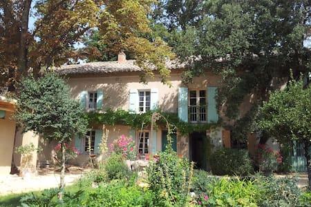 Mas, 4 b.room, swimmingpool, proven - Camaret-sur-Aigues