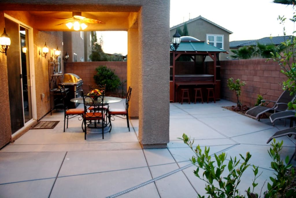 Nv250 5 Bedroom Home W Spa Game Room Houses For Rent In Las Vegas Nevada United States