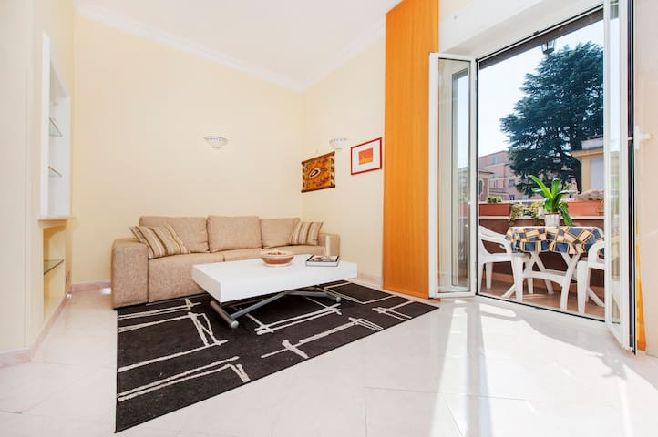Delicious flat in San Giovanni with fast wifi