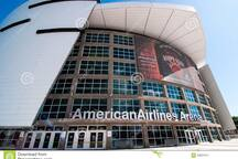 3 blocks to American Airlines Arena.