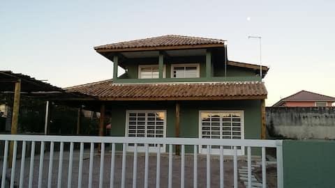 Casa delícia na Barra do Saí - 1 quadra do mar!