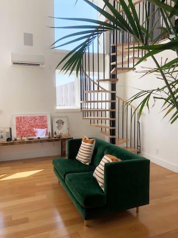 Sun-drenched Artist Loft