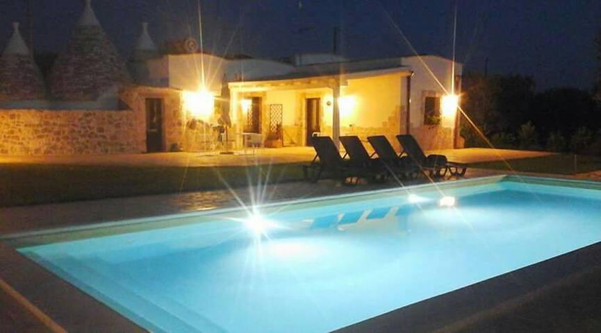 """Casale """"Mare"""" in pietra con vista piscina"""