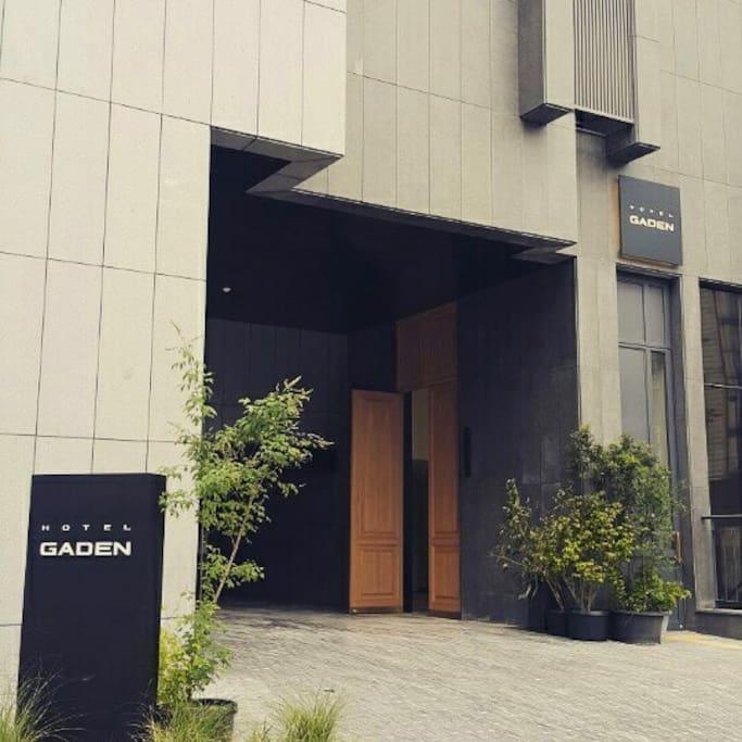 Boutique HOTEL GADEN & BIZ