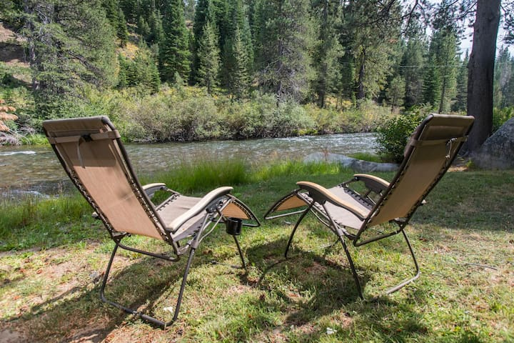 River Cottage at Squaw Valley- Pet Friendly!