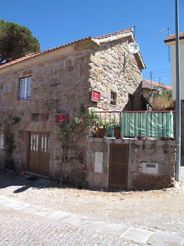Rustic Houses - Castro Daire - House