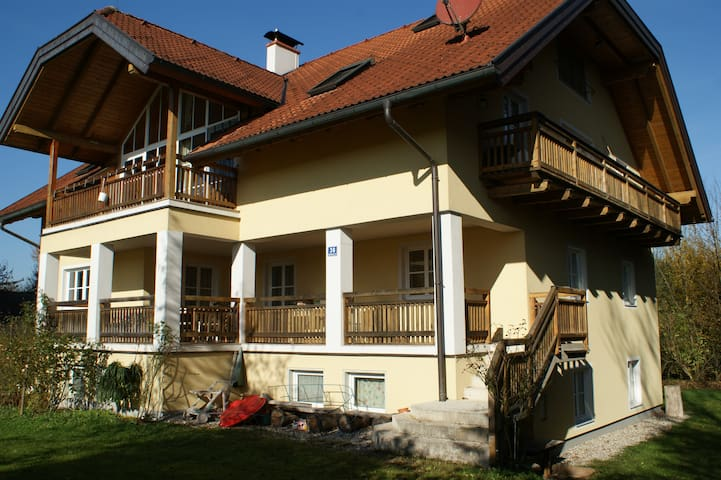 Appartement Panoramablick II,  Salzburg-Oberndorf - Jauchsdorf - บ้าน