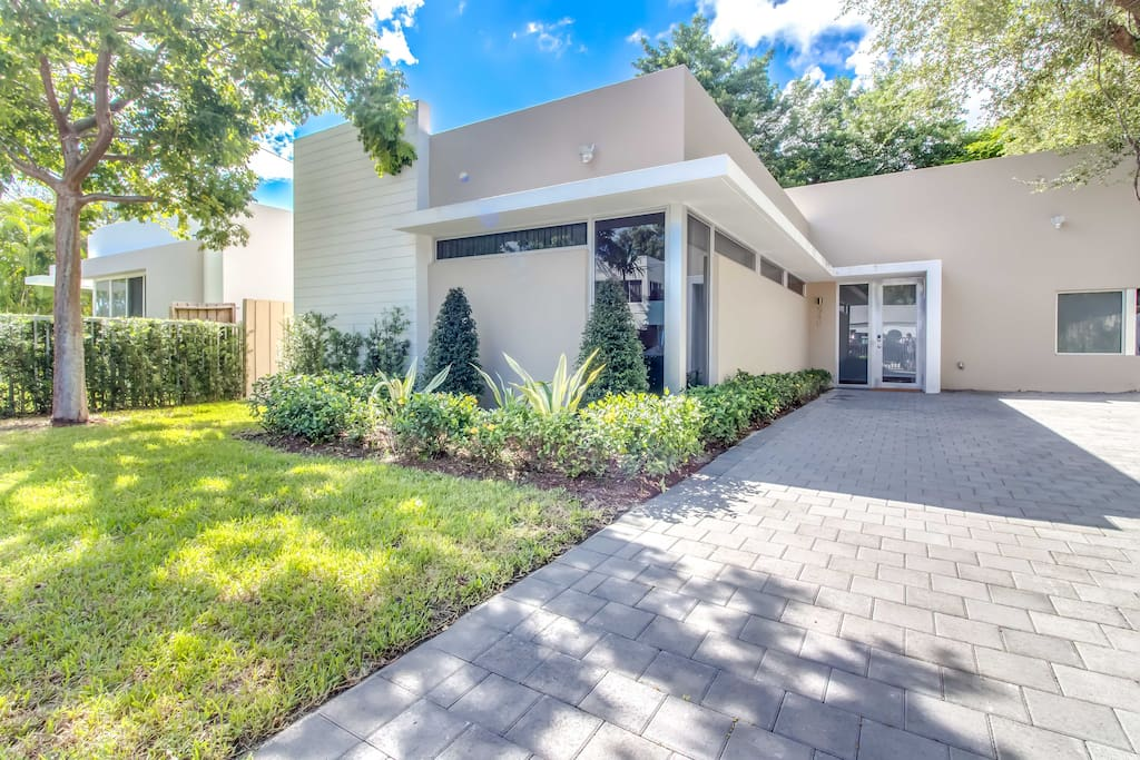 Side-by-side homes just minutes from South Beach