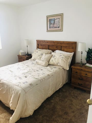 2nd floor bedroom with full size bed