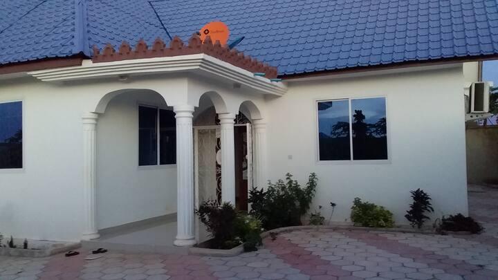 Azraq House