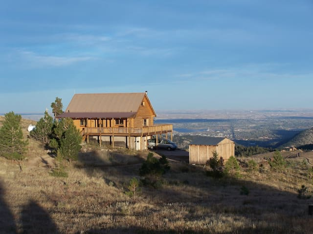 Rustic log cabin, great views, near Ned and Bouldr