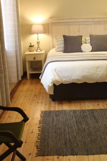 Ripple Hill Queen En-Suite photo 0
