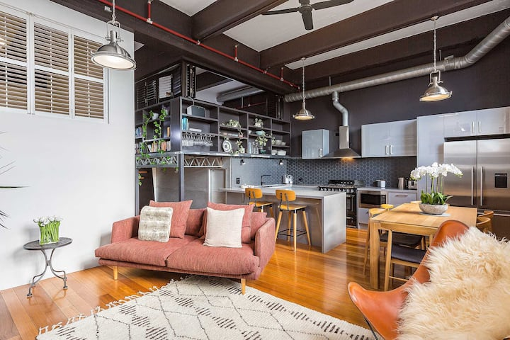 BOUTIQUE STAYS – Loft on Rose