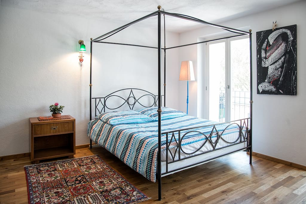 Double room, Colonial Poster Bed Queen size.