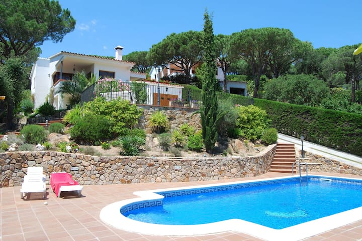 Luxurious Villa in Blanes with Private Swimming Pool