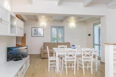 Appartamento Costa Del Sole a Pomonte