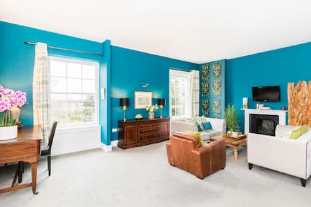 We are open for key workers. Gorgeous large apt