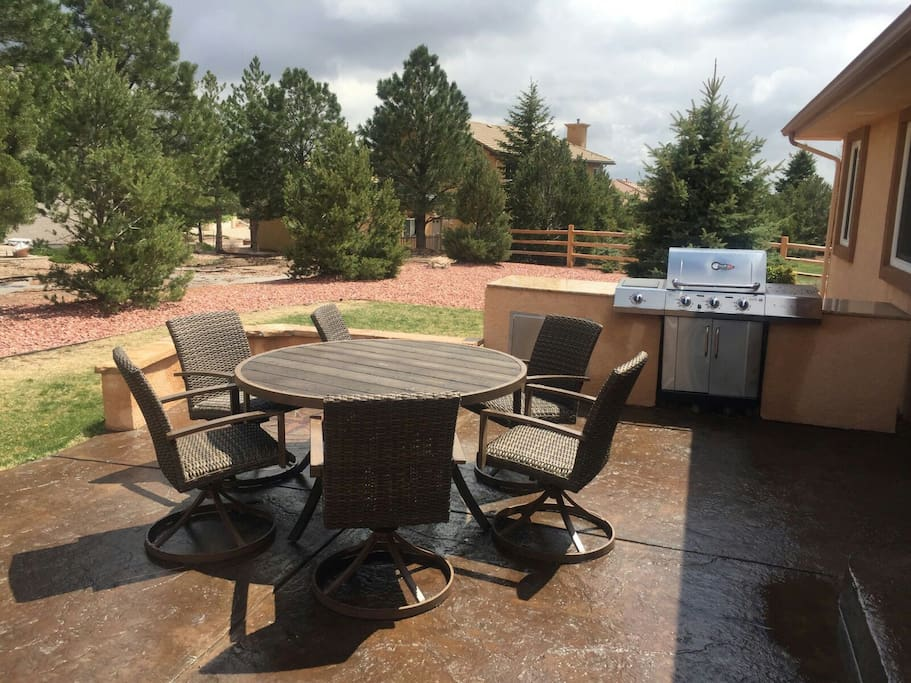 Enjoy grilling on our outdoor kitchen