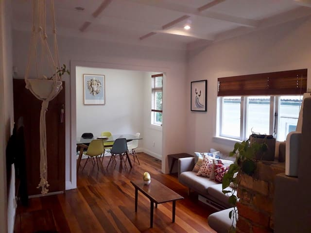 Private room in friendly home