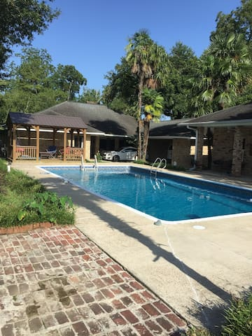 Country Ridge with swimming pool