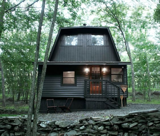 The Alder House - A Cabin in the Poconos