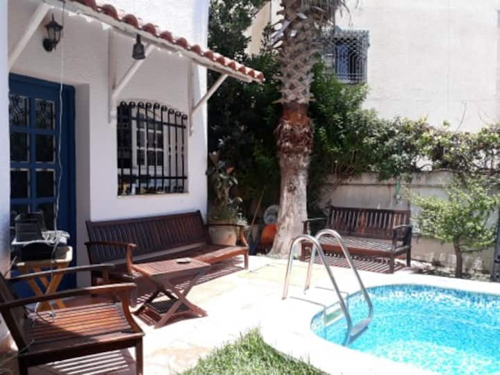 Chambres à louer courte durée avec piscine