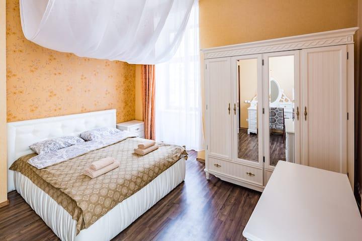 2 Virmenska Apartment