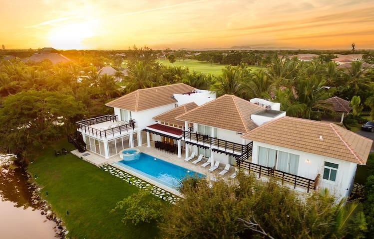 Punta Cana Villas 12BR Bachelors Allowed + Bonus