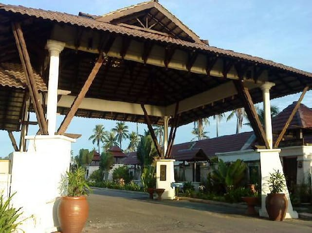 Affordable beach gateway at Mayangsari Resort