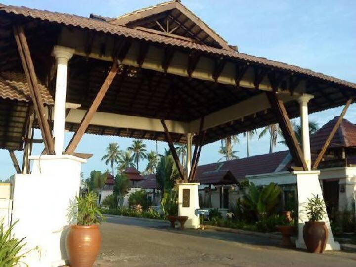 Affordable beach gateway at Mayangsari Resort