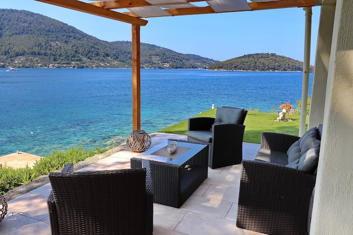 Holiday Home Bili Žal - Two Bedroom Holiday Home with Terrace and Sea View