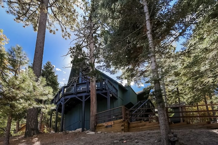 Lake Arrowhead Forested Cabin now with EV charging