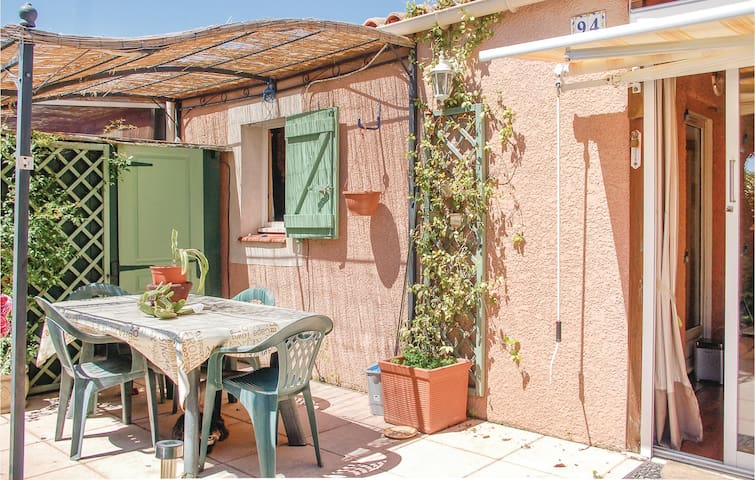 Semi-Detached with 2 bedrooms on 60 m² in Loupian