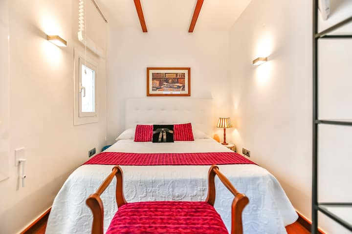 """Comfy Holiday Apartment for 3 People on the """"Street of Sin"""" of Sitges"""