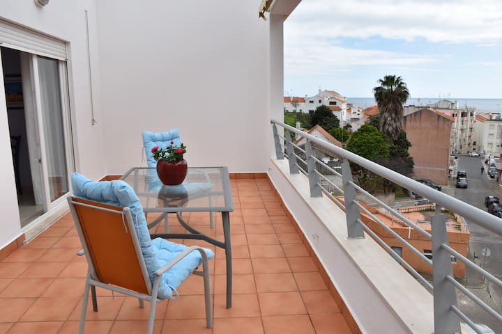 Sesimbra Terrace Oasis