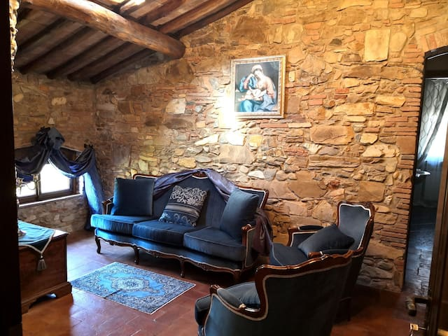 Elegante Mansarda Acquedotto Nottolini
