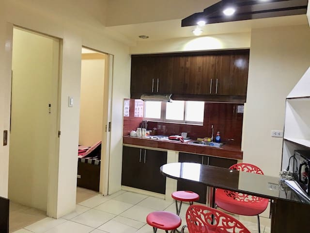Clean and comfy condo unit at the heart of Manila