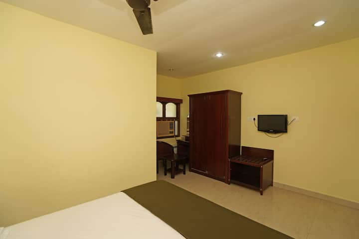 Classic Room, at T. Nagar