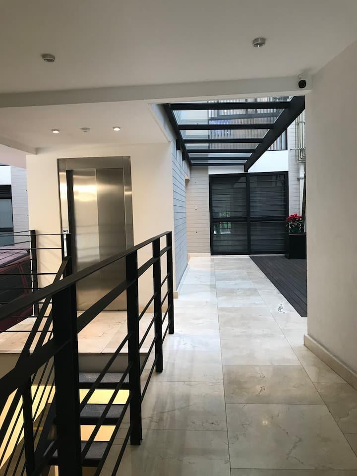Nuevo apartamento soleado (new sunny apartment) 6p