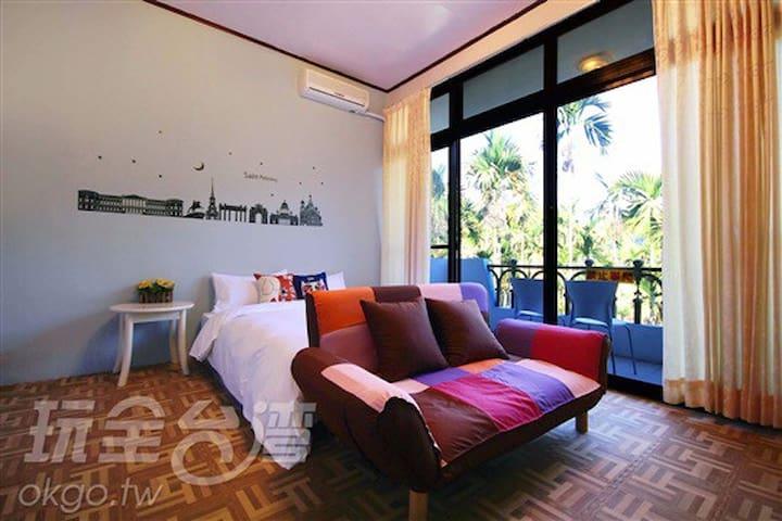 芬多精雙人房有著非常美的視野 從陽台望眼出去ㄧ片片綠色的檳榔樹 讓人心曠神怡