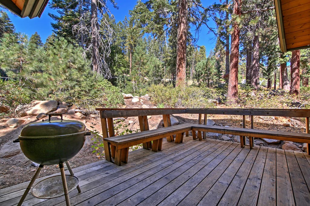 You'll love spending time hanging out on the private deck, sharing afternoon barbecues and taking in the forest views!