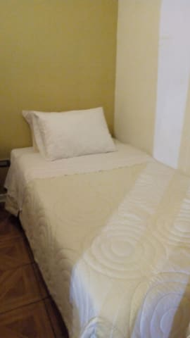 Independent Room with bathroom cerro esperanza X