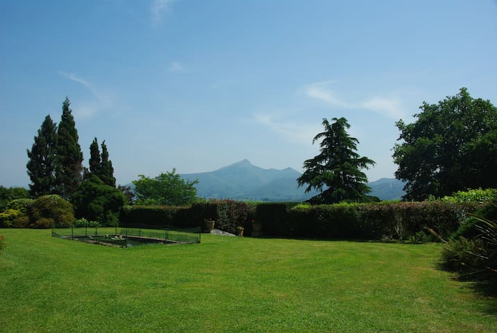 Cote Basque, villa, piscine, tennis - ユリューニュ (Urrugne) - 別荘
