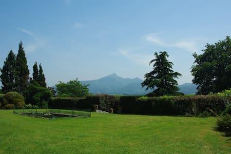 Cote Basque, villa, piscine, tennis - ユリューニュ (Urrugne)