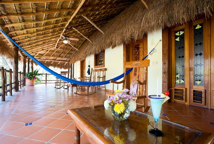 Uxmal 4-Bedroom Luxury Family Bungalow-Pool&Bkfst