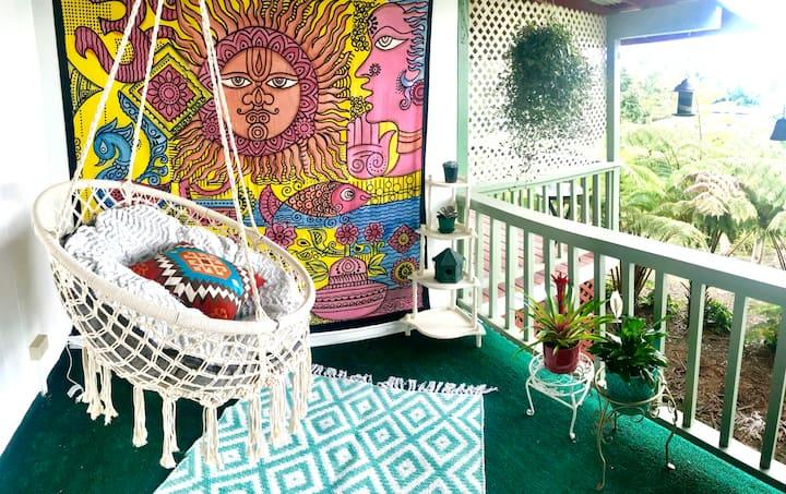 KJ's Peaceful Cottage, Jungle & Mountain Vibes
