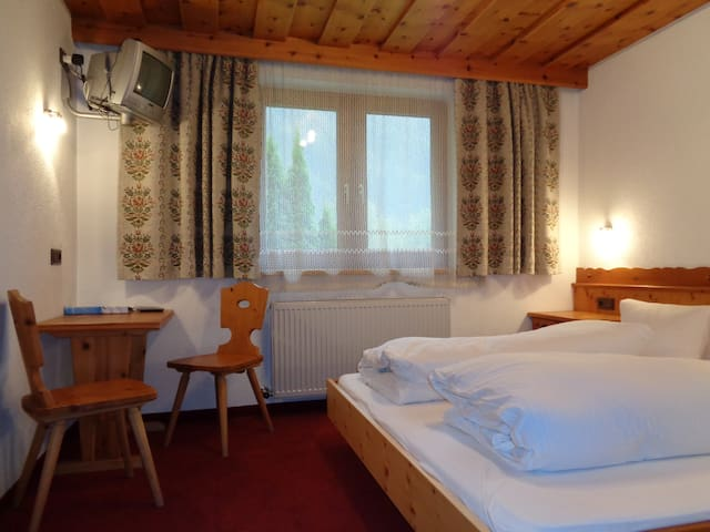 Good, better, Garni - Petter! Zimmer Zirbe - Kappl - Bed & Breakfast