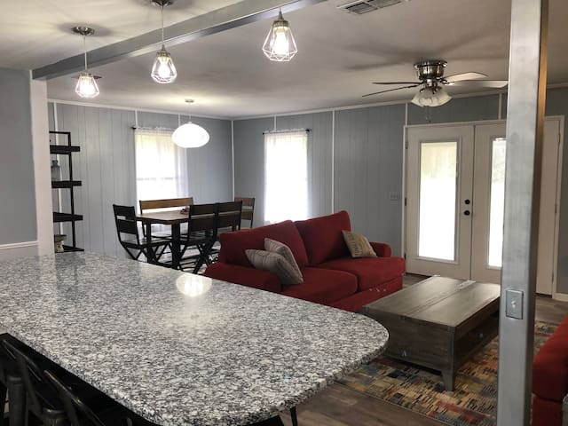 Spacious Ranch House for Family, Friends and Fun